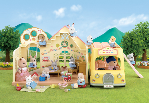 https://cdn2.sylvanianfamilies.com/includes_gl/img/catalog/connect/sylvanian/youchien_2F-Bus.jpg