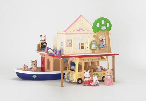 https://cdn2.sylvanianfamilies.com/includes_gl/img/catalog/connect/sylvanian/youchien_cruiseboat.jpg