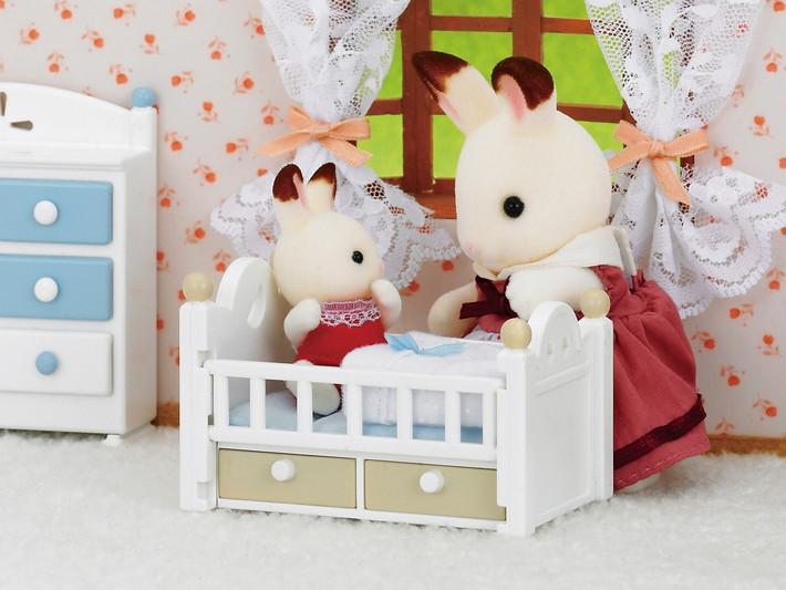 Schokoladenhasen Baby mit Babybett - 4