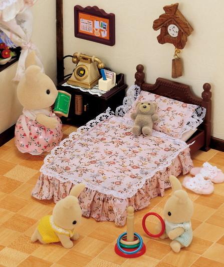 Tradycyjne zabytkowe łóżko  - 5