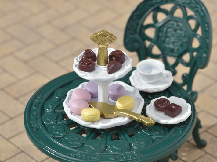 Tea and Treats Set - 7