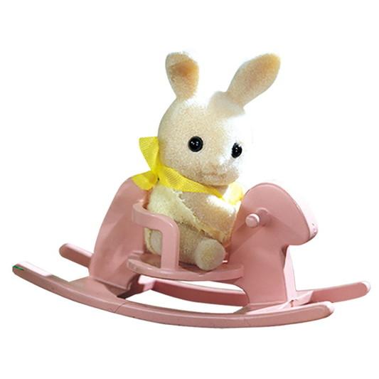 Малыш крольчонок на качелях - 3