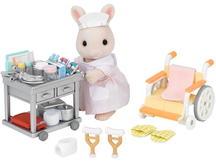 Медсестра с аксессуарами - 7